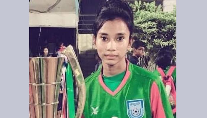 এসএসসি পাশ করেছে নারী ফুটবলার শামসুন্নাহার